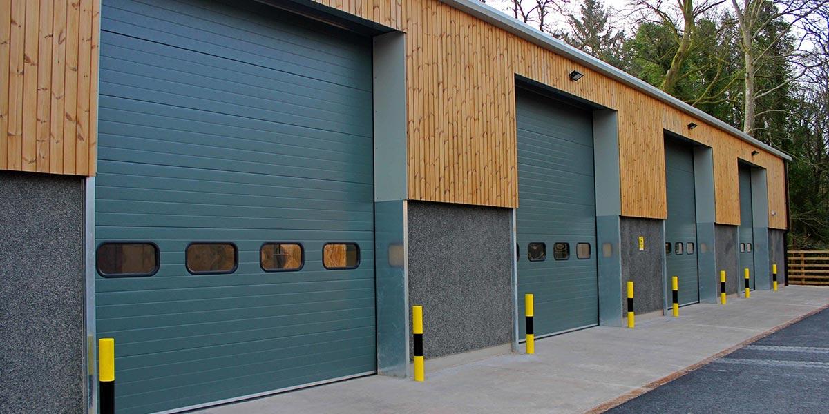 индустриална секционна врата