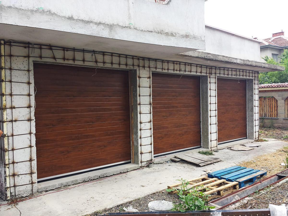 """Стара Загора - Гаражни секционни врати в дървесен цвят """"златен дъб""""_002"""