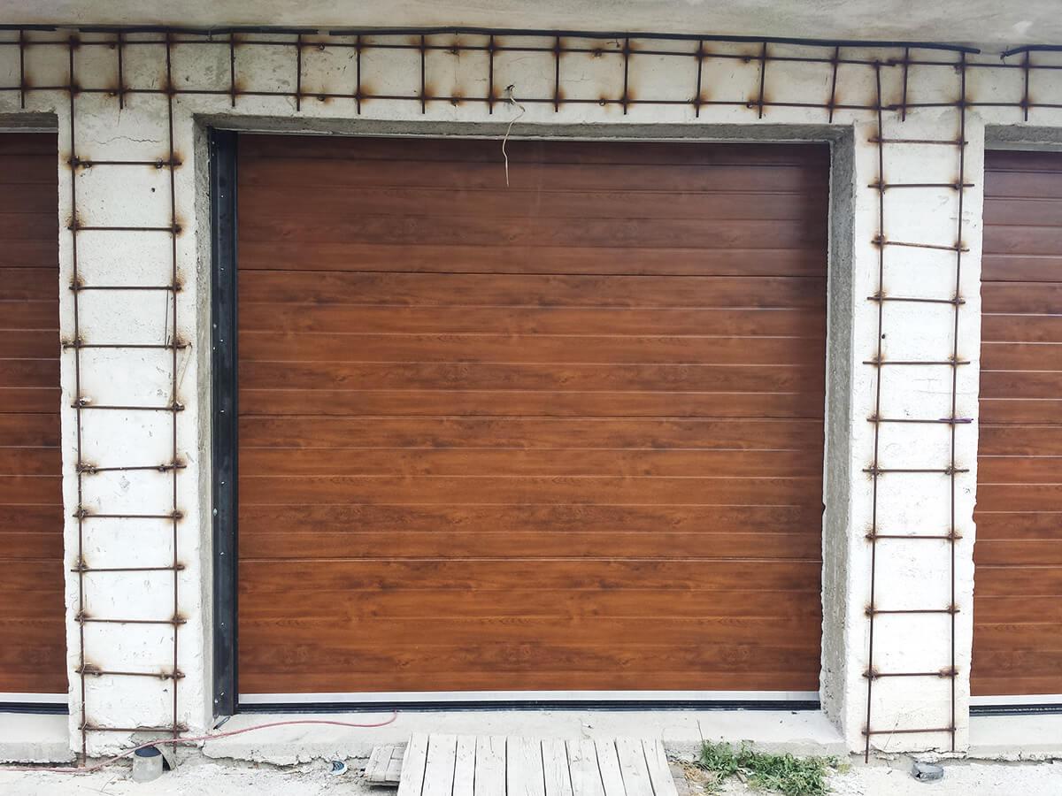 """Стара Загора - Гаражни секционни врати в дървесен цвят """"златен дъб""""_005"""