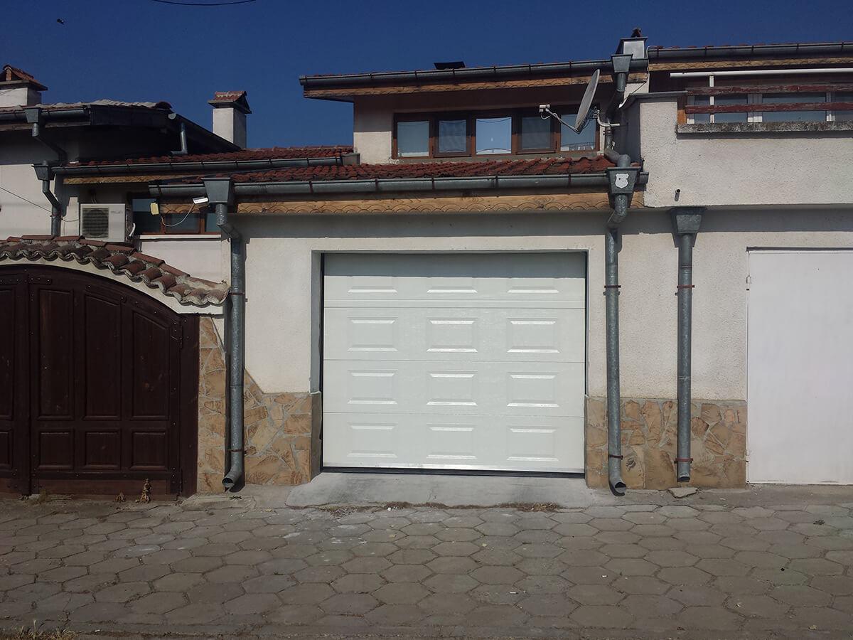 Стара Загора - Гаражна секционна врата задвижвана с мотор_001