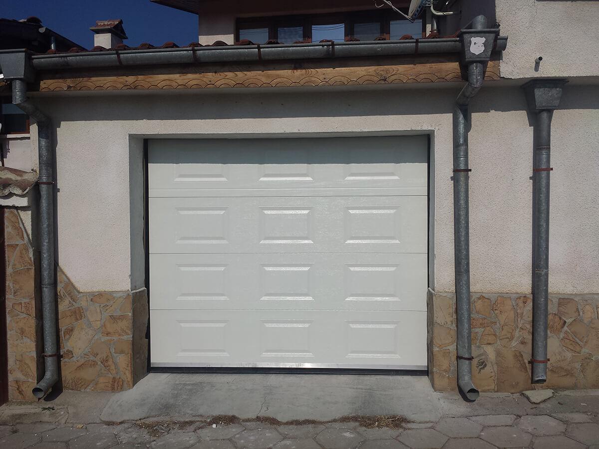 Стара Загора - Гаражна секционна врата задвижвана с мотор_002