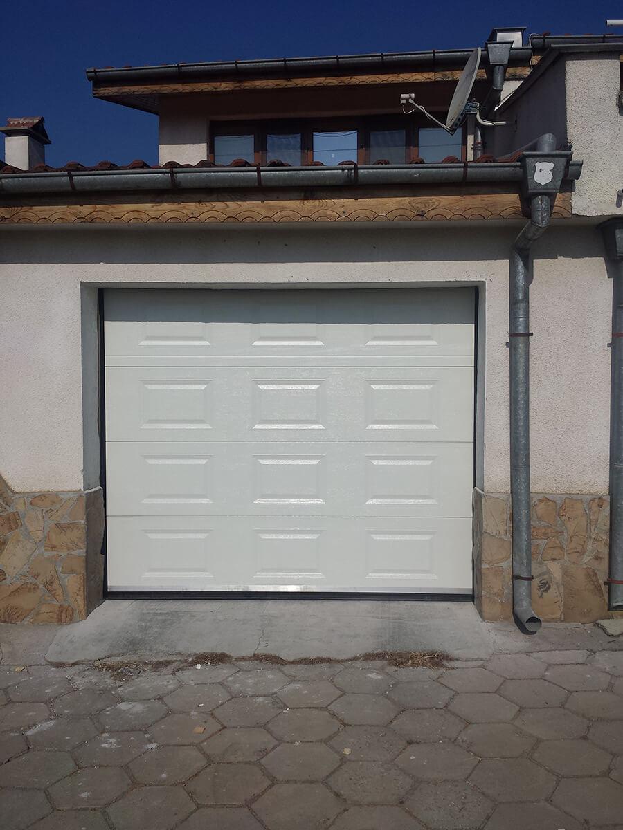 Стара Загора - Гаражна секционна врата задвижвана с мотор_003