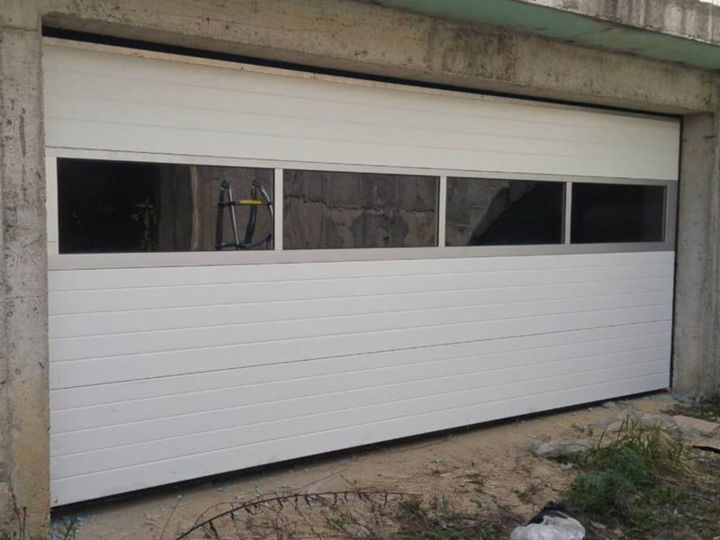 Стара Загора - Секционна гаражна врата с един остъклен панел_002