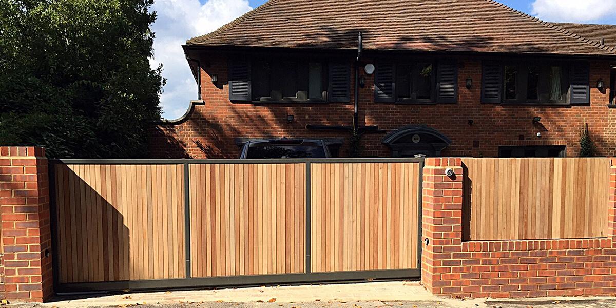 Врата за всеки – да пишеш за гаражни и индустриални секционни врати - 002