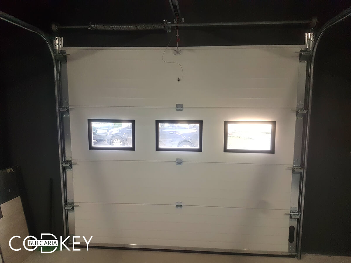Секционна гаражна врата в град София_010