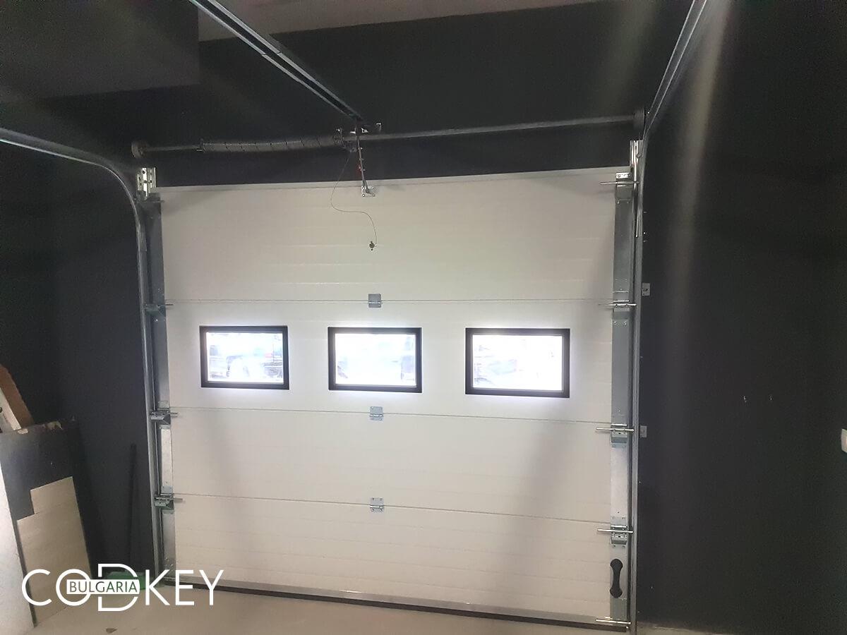 Секционна гаражна врата в град София_011