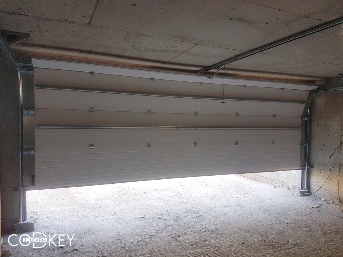 Гаражни врати на подземни гаражи в новострояща се кооперация в град София_006
