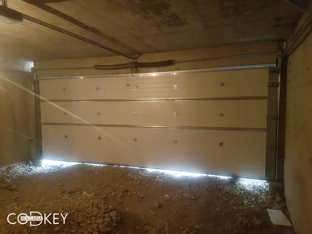 Гаражни врати на подземни гаражи в новострояща се кооперация в град София_015