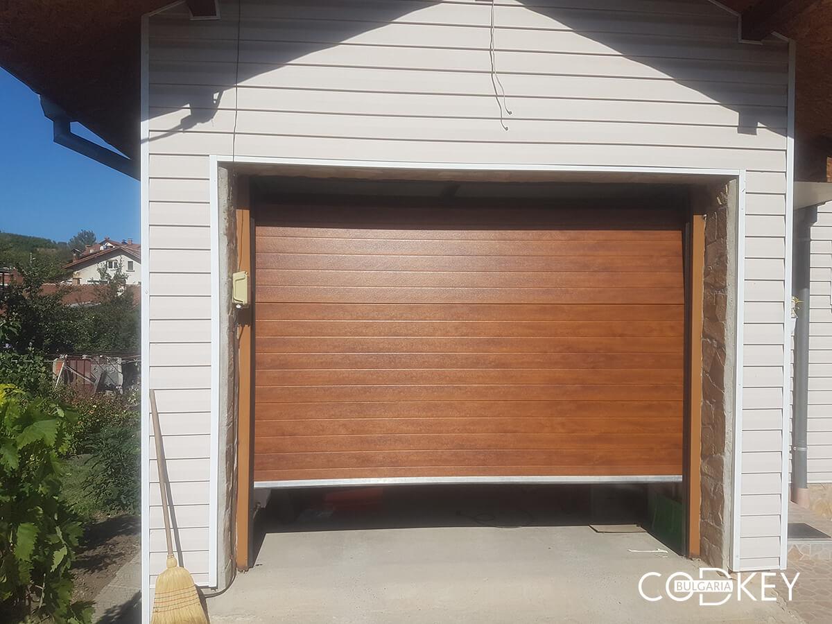 Секционна гаражна врата в град Банкя_001