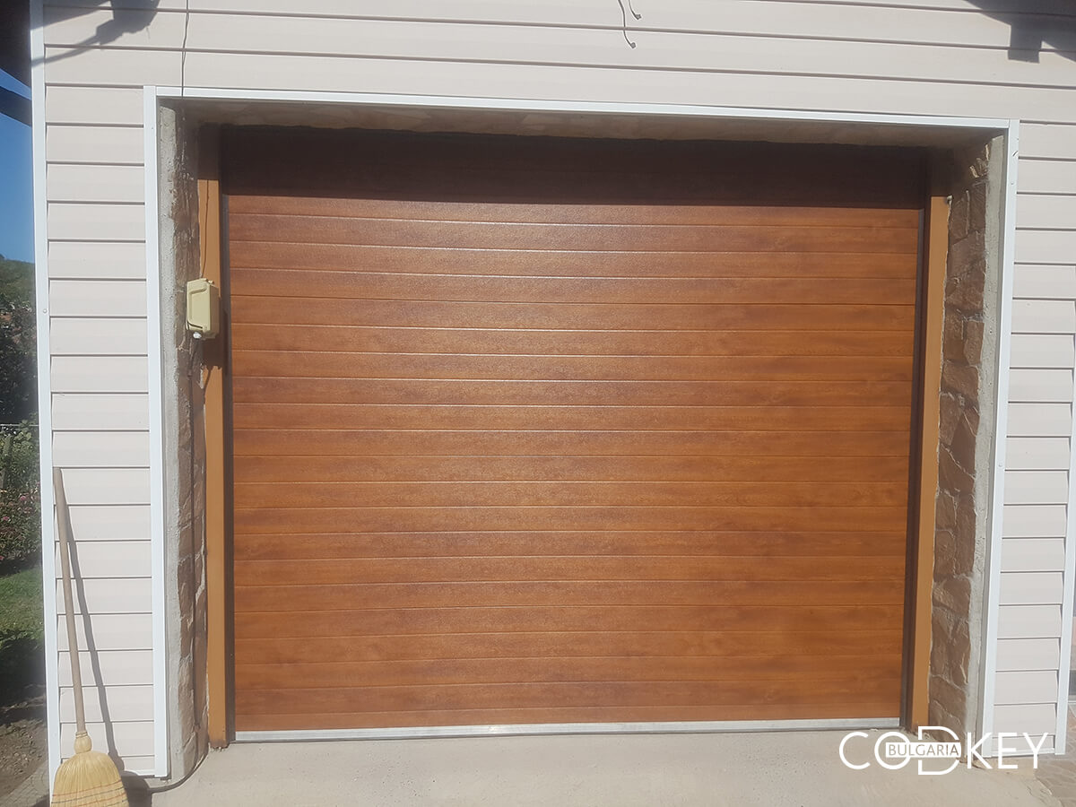 Секционна гаражна врата в град Банкя_003