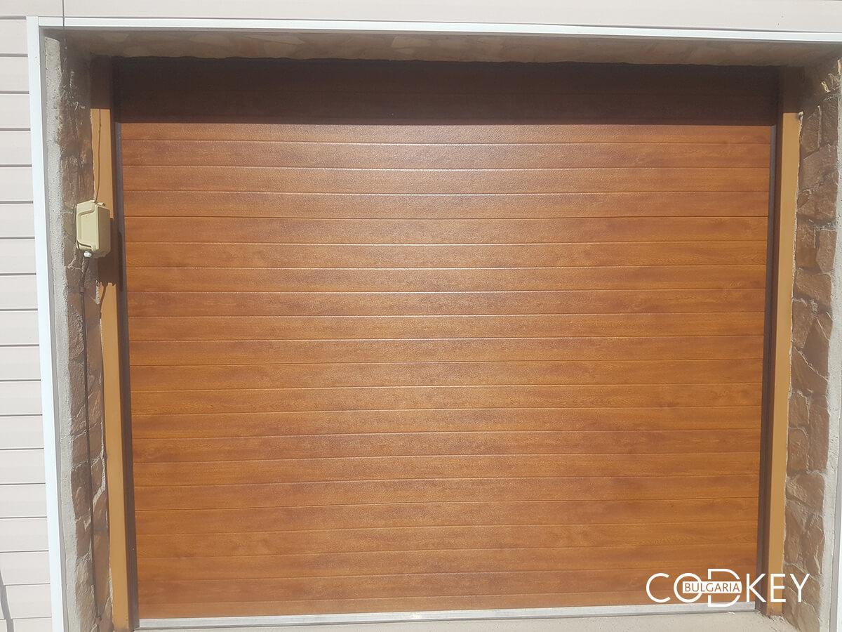 Секционна гаражна врата в град Банкя_004