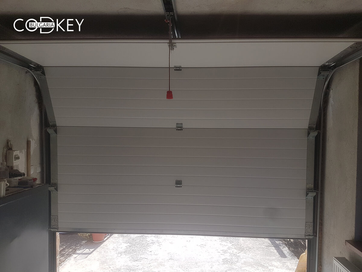 Секционна гаражна врата в град Банкя_006