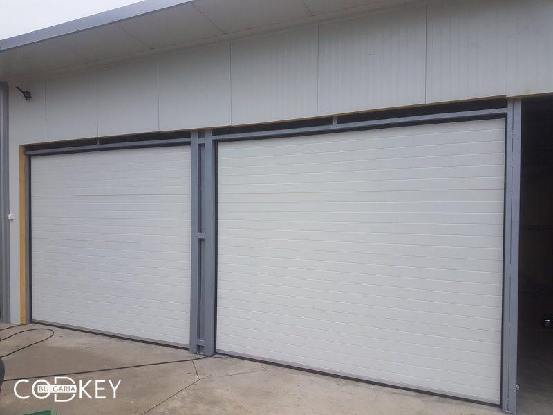 Гаражни секционни врати на складово помещение в град Берковица_001
