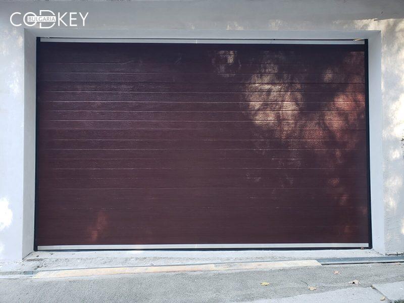 Секционна гаражна врата в град Мездра_001