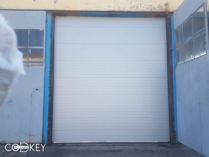 Индустриални секционни врати в град Враца - стандартен ход_001