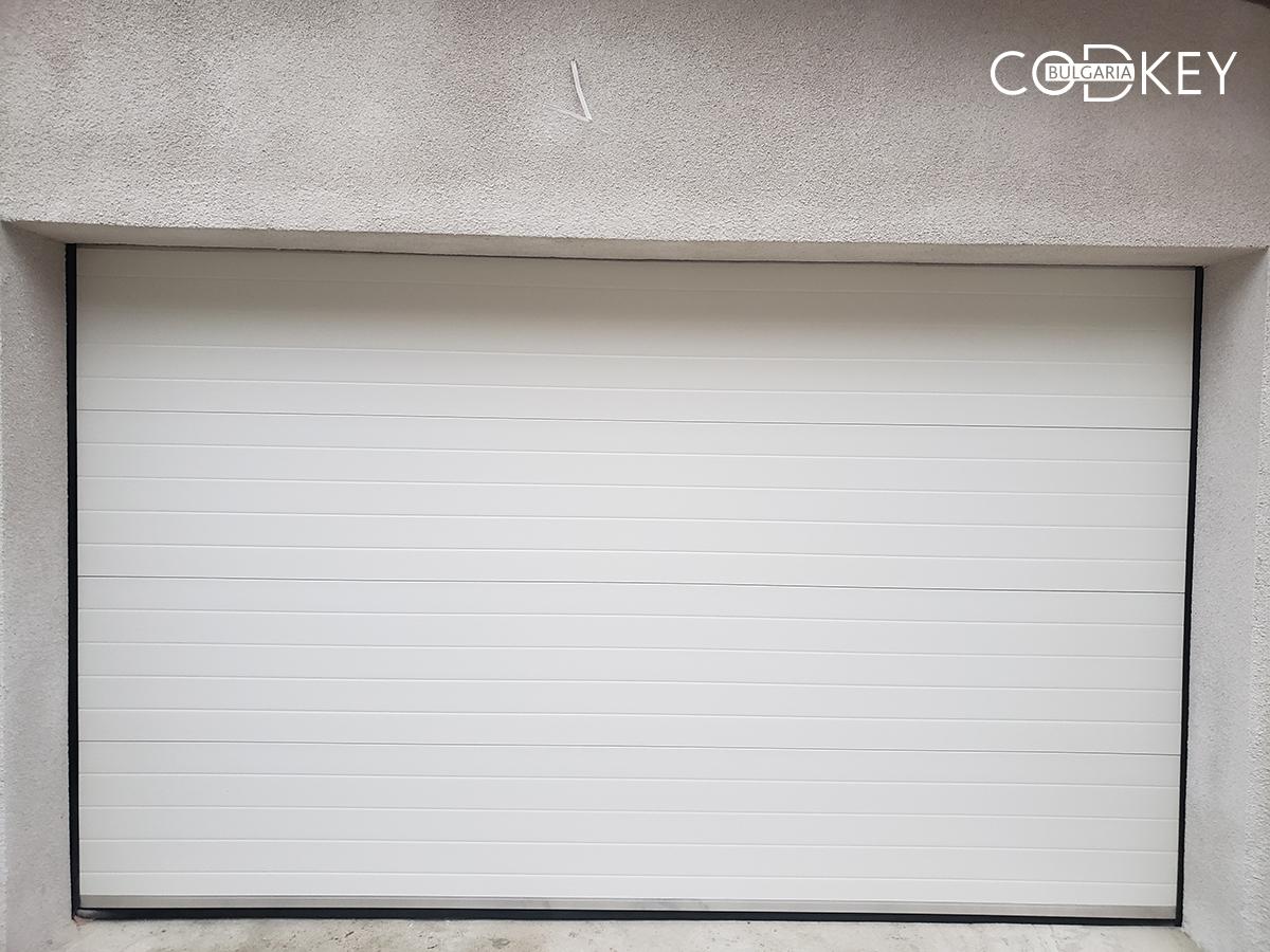 Гаражна секционни врата в град Балчик_002