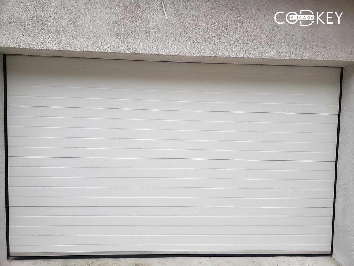 Гаражна секционни врата в град Балчик_004