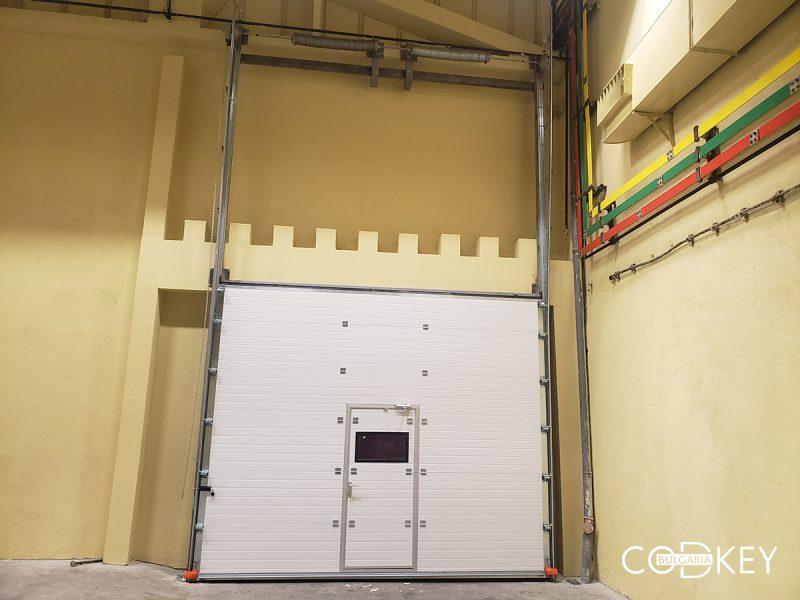 """Индустриална секционна врата - """"вертикален лифт"""" в град Стара Загора_01"""