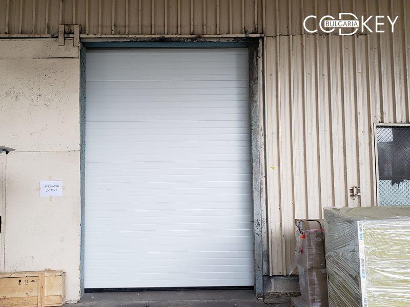 Индустриална секционна врата от термо панели в град Стара Загора_01
