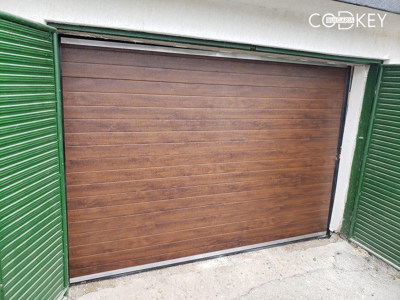 Гаражна секционна врата в град Козлодуй_01
