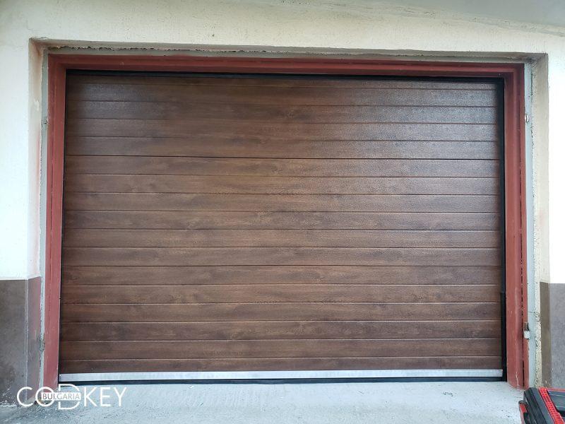 Гаражна секционна врата в град Оряхово_01