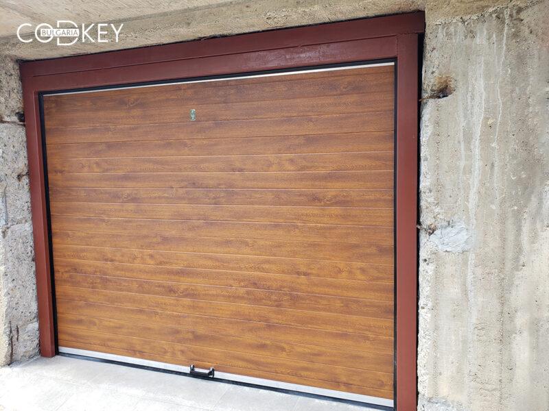 Гаражна секционна врата в град Берковица_001